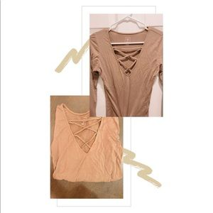 MeToWe Nude Longsleeve With Crisscross V-Neck